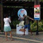couples treat theme park